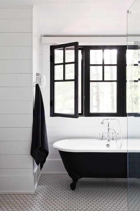 Black bathrooms - how to successfully pull this off
