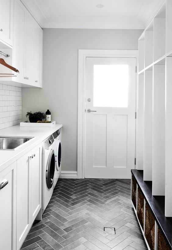 10 things to include in a laundry room