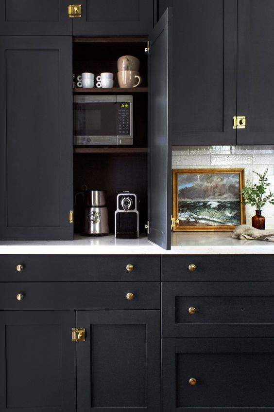 How to use black for your kitchen cabinetry
