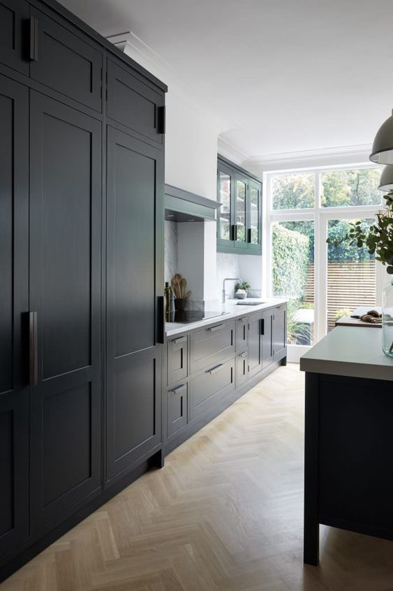 How to achieve a black kitchen