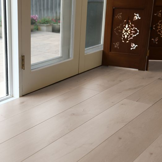 How to choose oak engineered flooring