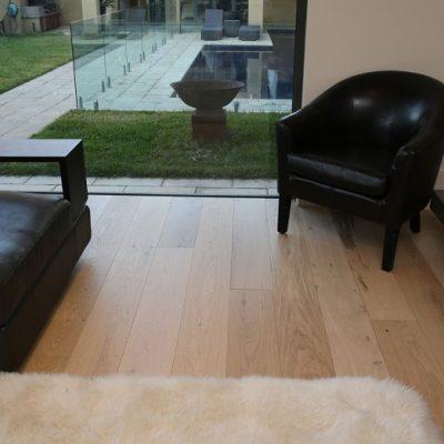 How to choose oak engineered floorboards