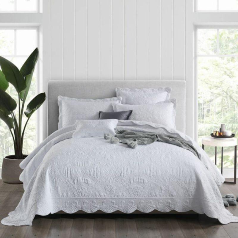 Why I like to use a bedspread