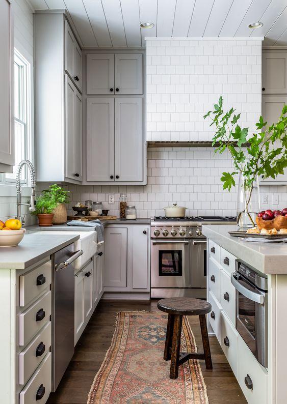 Kitchen Range Hood Designs